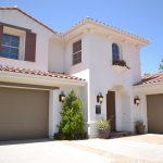 white-concrete-3-storey-house-206172